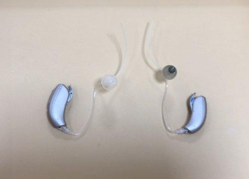 補聴器 左右の耳栓が違う